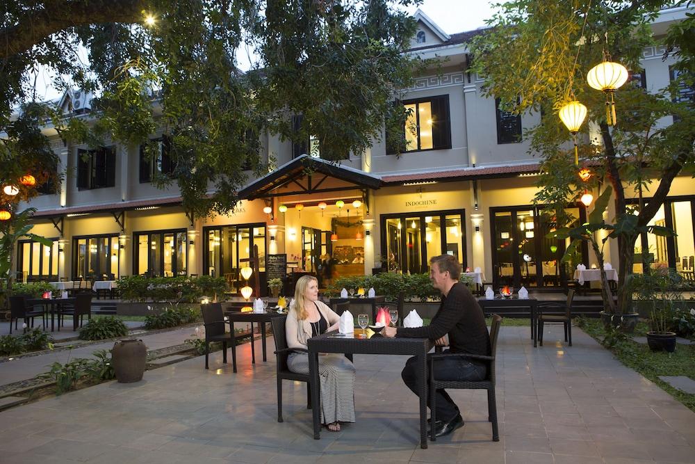 호텔이미지_Hotel Front - Evening/Night