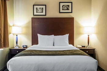 Suite (2 Queen Beds)
