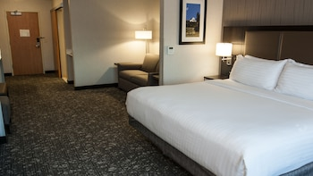 Suite, 1 King Bed, Accessible, Non Smoking (Hearing, Roll-In Shower)