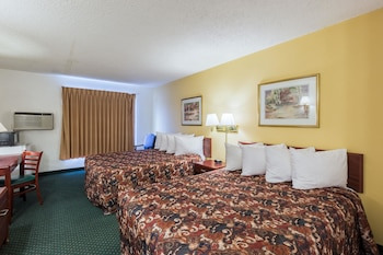 Grand Island Vacations - Rodeway Inn Grand Island - Property Image 1
