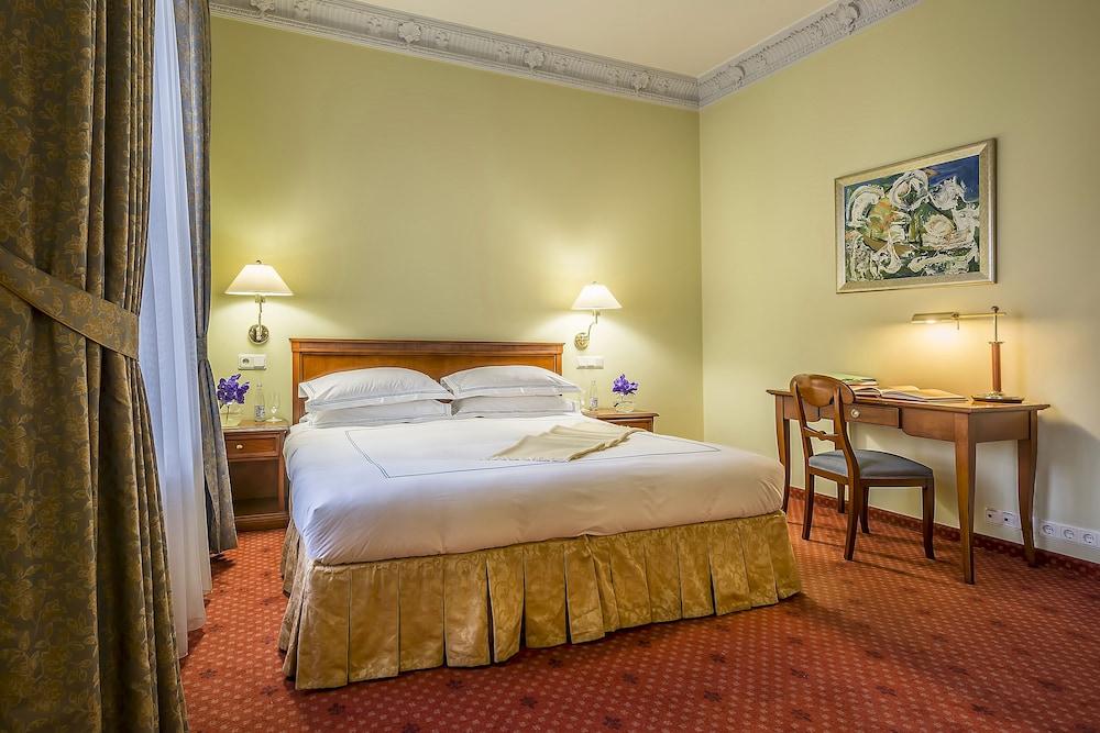 그로트후스 부티크 호텔(Grotthuss Boutique Hotel) Hotel Image 0 - Featured Image