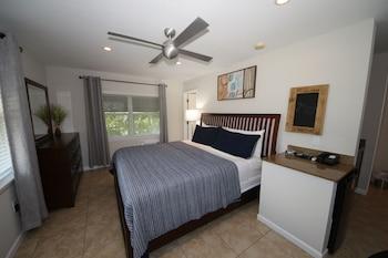 Basic Suite, 1 King Bed, Non Smoking, Resort View