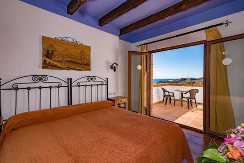 . Hotel Rural Almazara