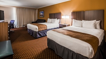 Guestroom at Best Western Ocean City Hotel & Suites in Ocean City