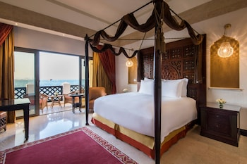 Deluxe Room, 1 King Bed, Non Smoking, Sea View