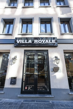 ホテル ヴィラ ロイヤル