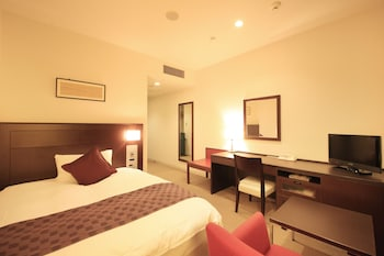 Grand Double Room, Smoking
