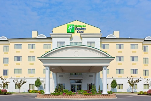 . Holiday Inn Express Hotel & Suites Watertown-Thousand Island, an IHG Hotel