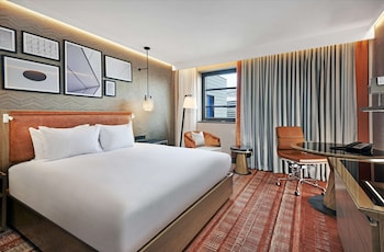 Deluxe Room, 1 King Bed (Plus)
