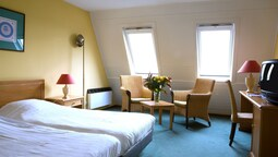 Deluxe Double Room, Bathtub (with Terrace)
