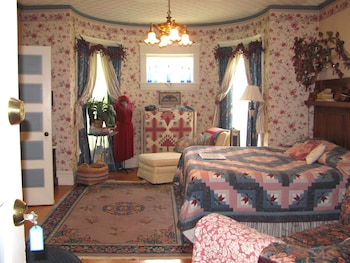 Hotel - The Blue Belle Inn Bed and Breakfast