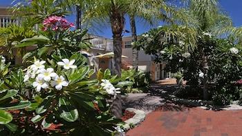 Hotel - Manatee Bay Inn
