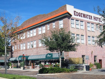 Hotel - Edgewater Hotel