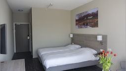 Comfort Tek Büyük Yataklı Oda (with Shower)