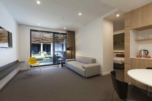 Jasper Hotel, Port Phillip - West