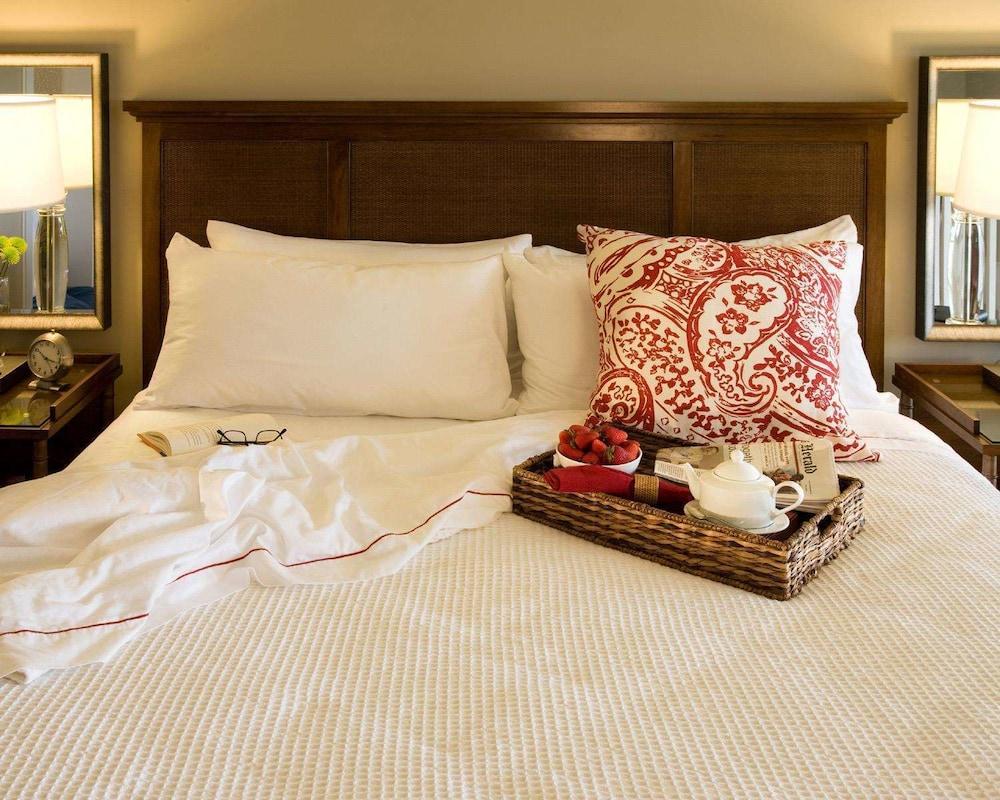 https://i.travelapi.com/hotels/2000000/1550000/1542800/1542725/24e98225_z.jpg