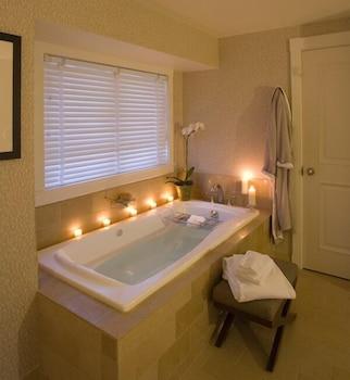 https://i.travelapi.com/hotels/2000000/1550000/1542800/1542725/afd5299d_b.jpg