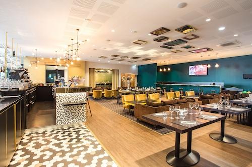 . Gatsby Hotel & Restaurant by Happyculture