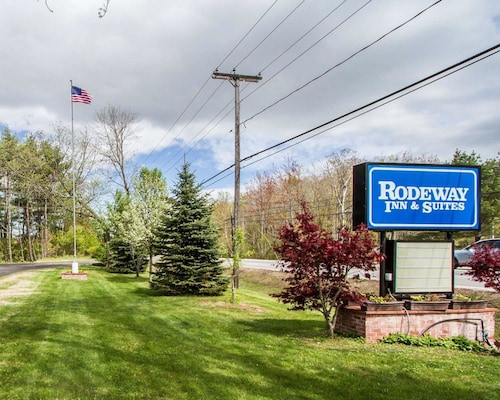 . Rodeway Inn & Suites Brunswick near Hwy 1