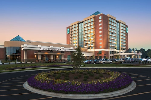 . Embassy Suites by Hilton Charlotte-Concord-Golf Resort & Spa