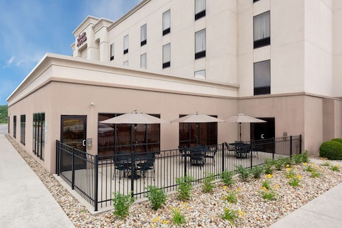 . Hampton Inn & Suites Grove City