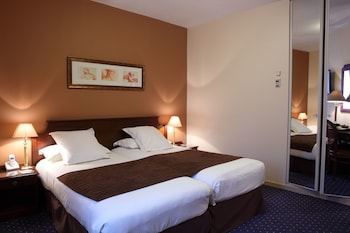Superior Room, 2 Twin Beds (Larger Room)