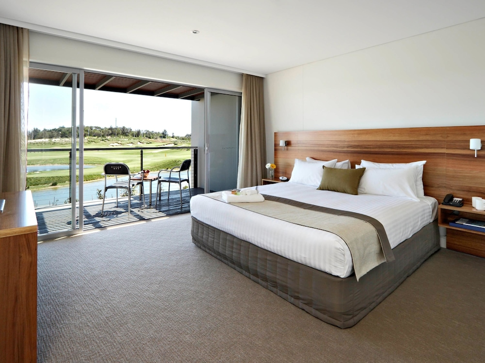 Pullman Magenta Shores Resort, Wyong - North-East