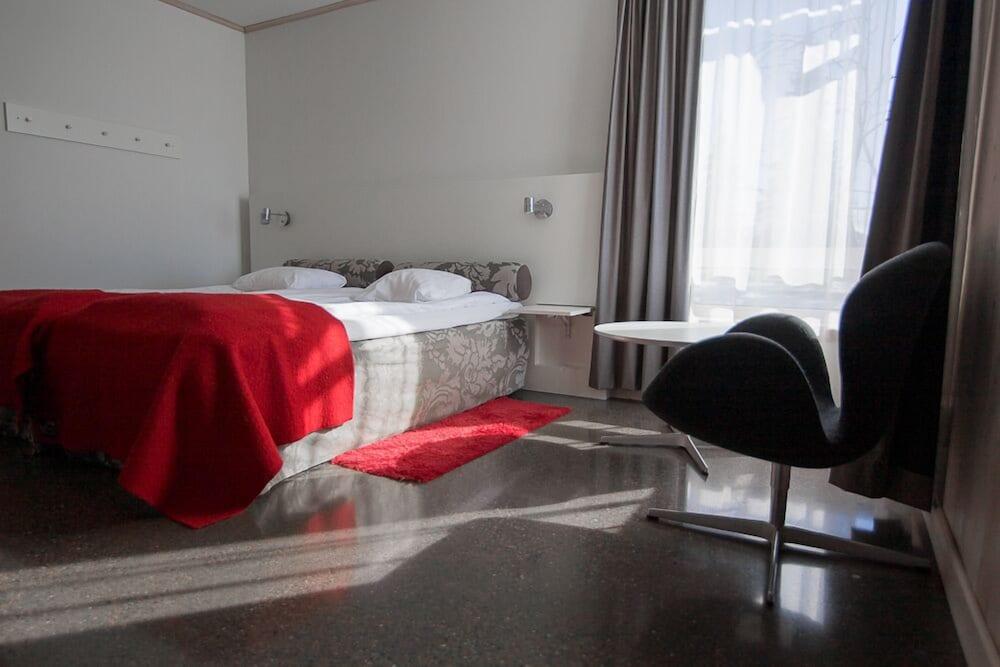 https://i.travelapi.com/hotels/2000000/1550000/1545900/1545892/5b1bfedc_z.jpg