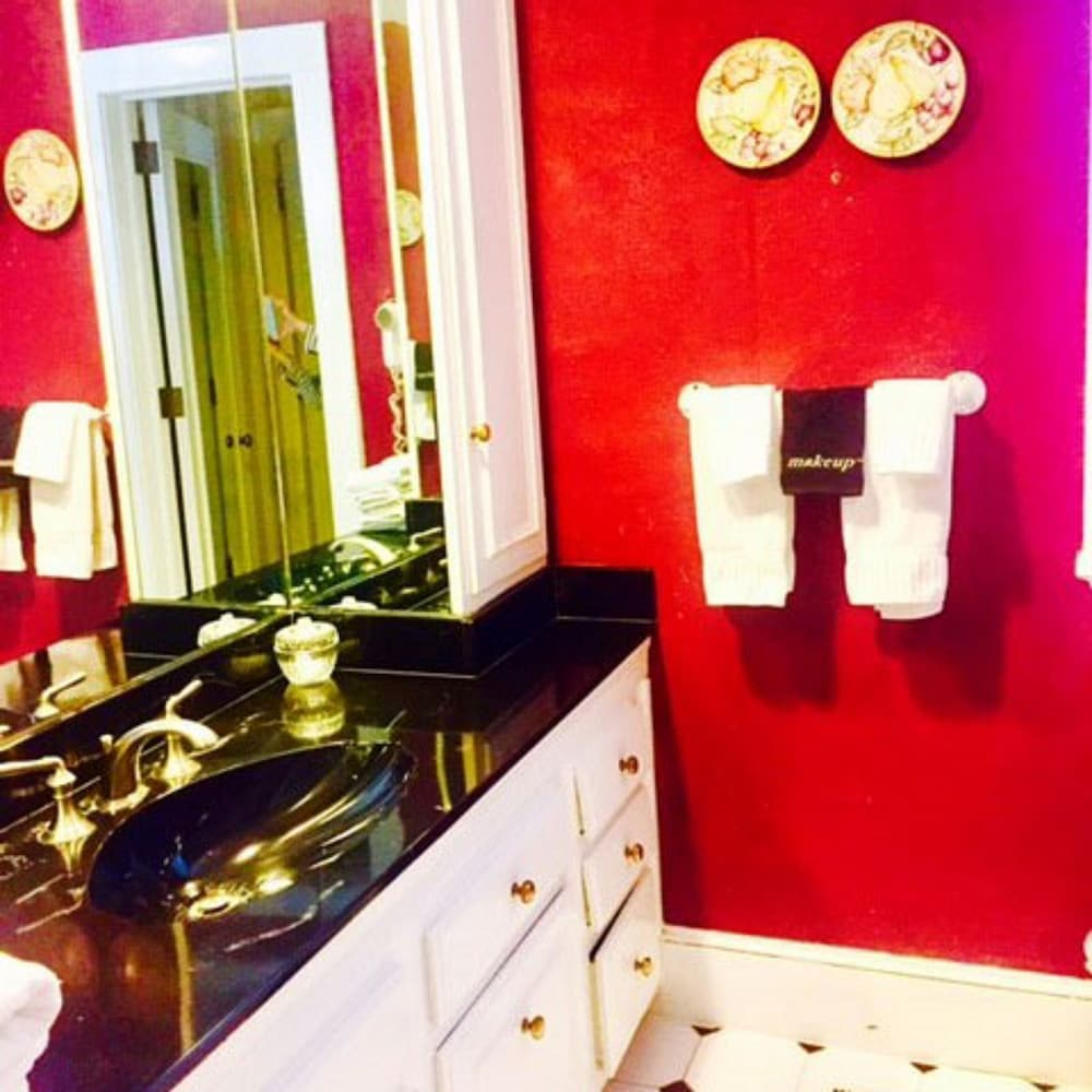 Room, Private Bathroom (Cleveland)