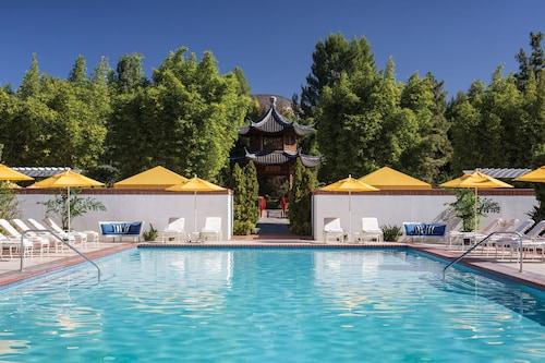. Four Seasons Hotel Los Angeles at Westlake Village