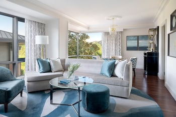 Suite, 1 Bedroom, Accessible, Corner (Westlake)