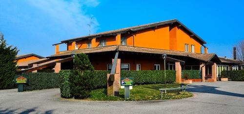 . Hotel Don Carlo