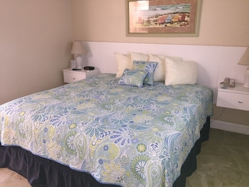 Suite, 1 King Bed with Sofa bed, Oceanfront
