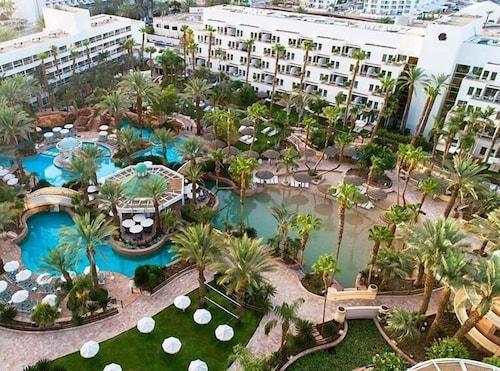. Isrotel Royal Garden Hotel