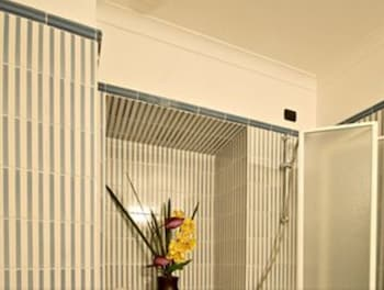 Hotel Domus Romana - Bathroom Shower  - #0