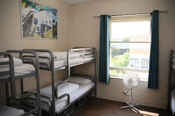 Bed in 6 Bed Dorm with Shared Bathroom