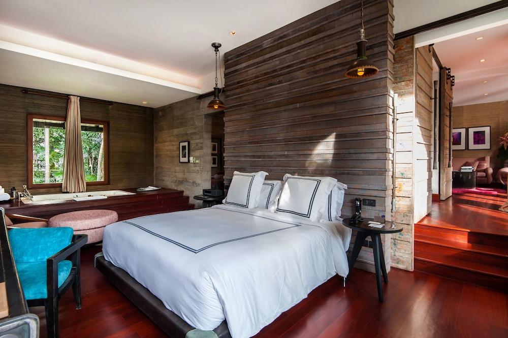 https://i.travelapi.com/hotels/2000000/1560000/1559100/1559047/108546c6_z.jpg