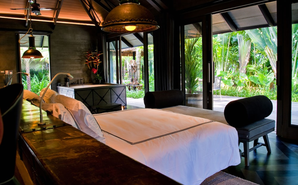 https://i.travelapi.com/hotels/2000000/1560000/1559100/1559047/f6d1a91b_z.jpg