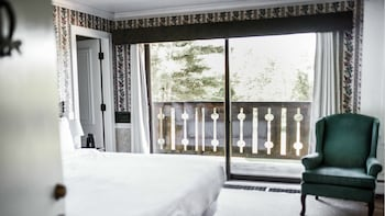 Standard Room, 1 King Bed (2 Twin OR 1 King)