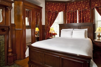Room, Private Bathroom (Room 203 (1 queen bed max 2 people))