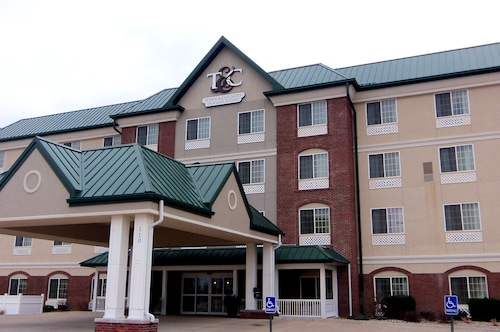 . Town & Country Inn and Suites