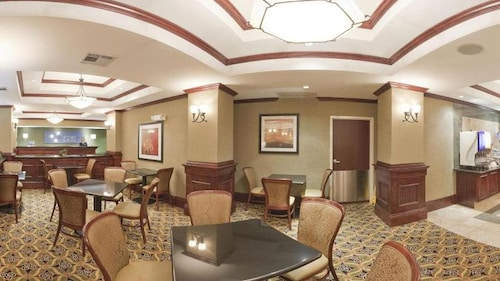 Holiday Inn Express & Suites McAlester, Pittsburg