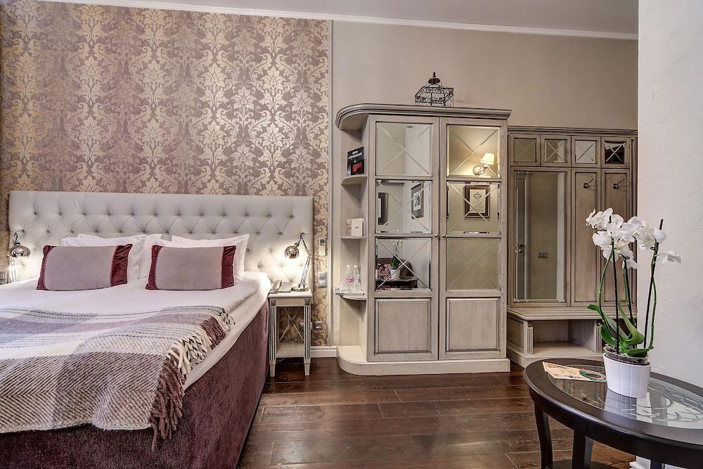 https://i.travelapi.com/hotels/2000000/1570000/1563000/1563000/d3314552_z.jpg
