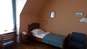 Standard Studio, 1 Bedroom, Kitchenette (1 Guest)