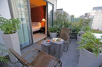 Executive Suite, Terrace