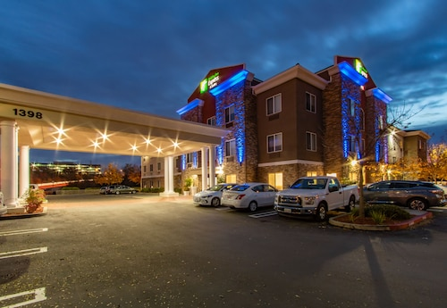 Holiday Inn Express Hotel & Suites Roseville-Galleria Area, Placer