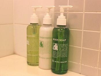 HOTEL GRACERY GINZA Bathroom Amenities
