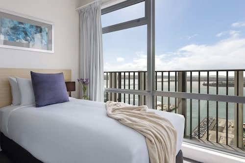 . Auckland Harbour Suites