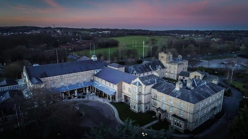 __{offers.Best_flights}__ Weetwood Hall Conference Centre & Hotel