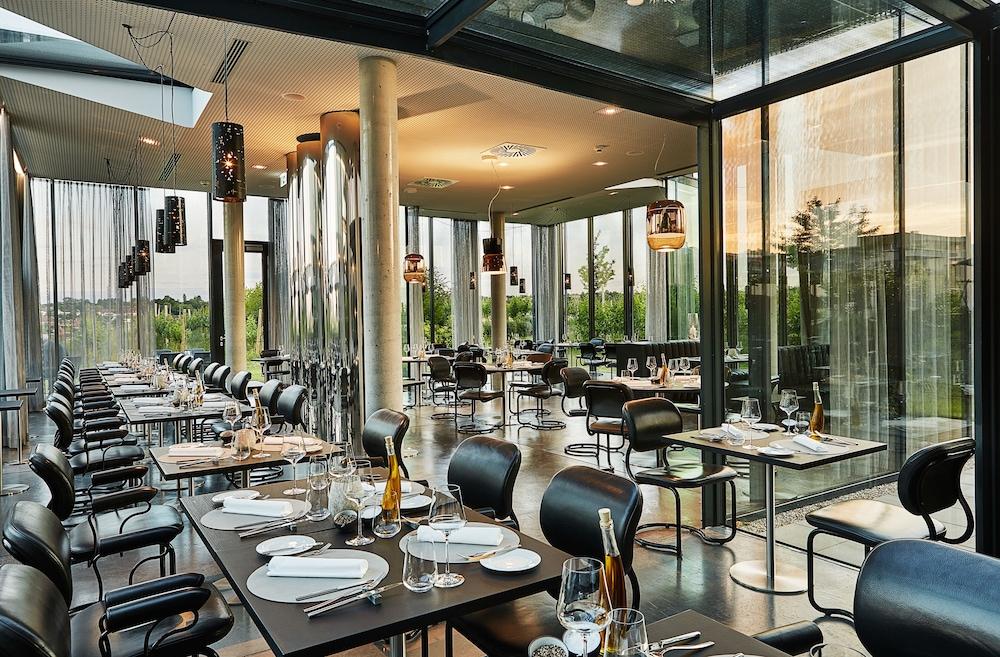 로이지움 와인 앤드 스파 리조트 랑겐로이스(LOISIUM Wine & Spa Resort Langenlois) Hotel Image 25 - Restaurant